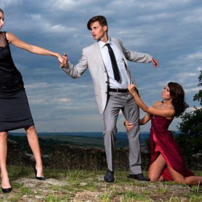 Infidelitatea sexuala ii sperie pe barbati, infidelitatea emotionala le rapune pe femei