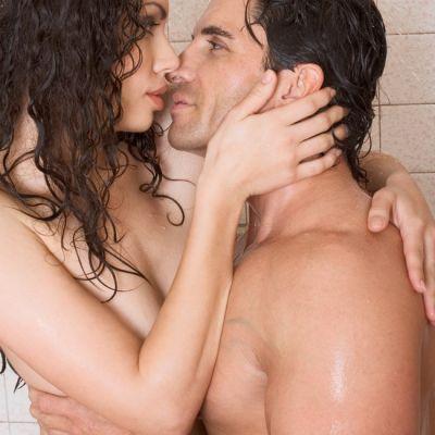 Racoreste-te pe timpul verii cu sexul in dus
