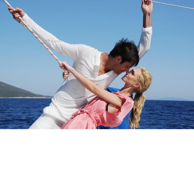 IUBIRE SI ONOARE - povestea telenovelei in care joaca Radu Valcan si Madalina Draghici FOTO!