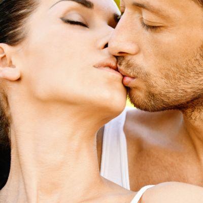 5 motive ca sa te saruti chiar acum