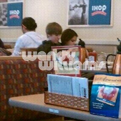 Prinsi in fapt: Justin Bieber si Selena Gomez la intalnire! FOTO