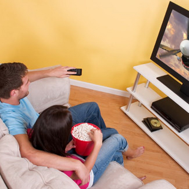 compare and contrast cinema or movies at home essay