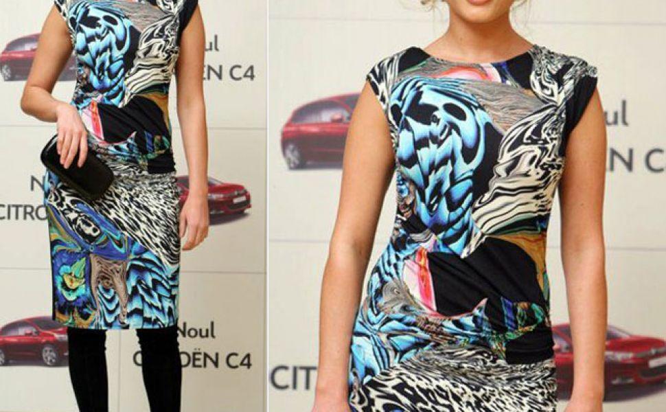 Look-ul zilei: Laura Cosoi, intr-o rochie cu imprimeu