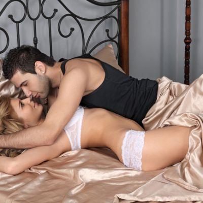 Care sunt miscarile potrivite in pat? Ghidul pozitiilor sexuale pentru tine