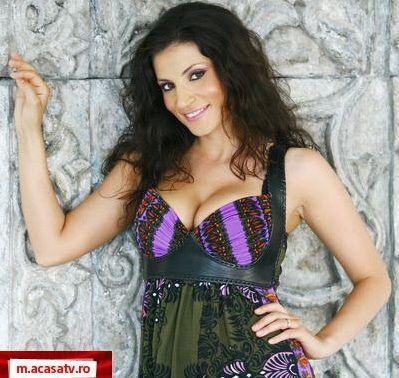 ACUM LIVE: Ioana Ginghina - sedinta foto sexy pentru www.acasatv.ro