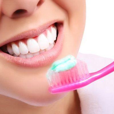 Igiena orala in sarcina tine microbii la distanta de bebelus