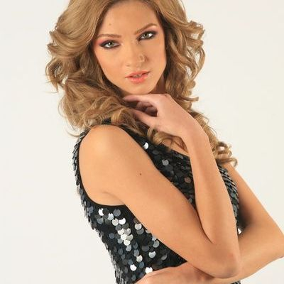 ACUM! Madalina Draghici, sedinta foto LIVE pe www.acasatv.ro