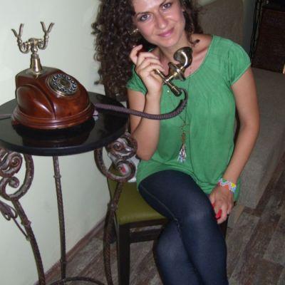 Femei in CTRL: Simona State, Cupidonul in varianta romaneasca. Fabrica relatii pe viata in doar 7 minute