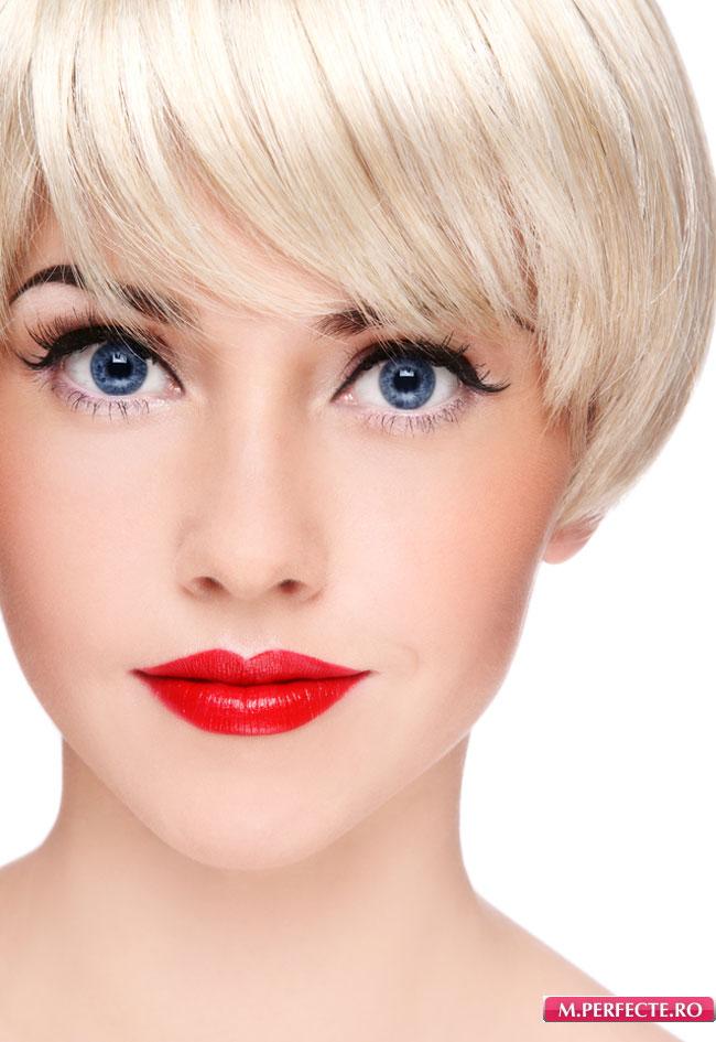 Фото макияжа блондинки с красной помадой 100