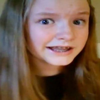 #8220;Nu e treaba nimanui cu cine te culci! #8221; Uite ce vorbe mari spune o fata de 13 ani despre un subiect tabu