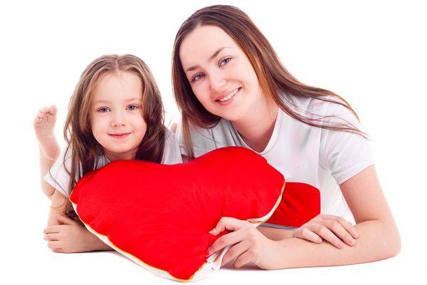 Cum ii vorbesti copilului tau despre Dragobete? Uite ce trebuie sa stie micutul despre sarbatoarea iubirii