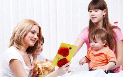 Felicitari de 8 martie pe care le pot face copiii tai