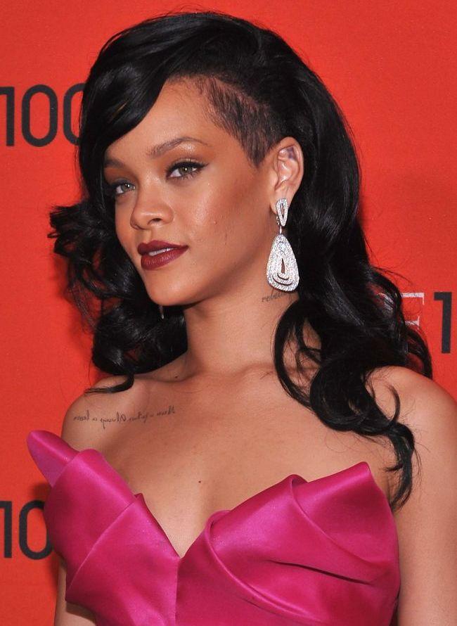 Rihanna a postat o imagine cu ea nemachiata pe Twitter. Iti place cum arata? FOTO