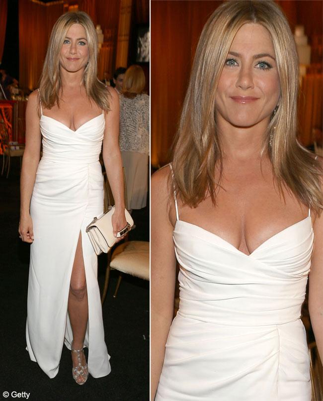 Sani apetisanti, bronz sexy si picioare de invidiat. Jennifer Aniston arata mai bine ca niciodata