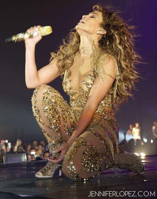 Jennifer Lopez, dezlantuita pe scena. Vezi cat de sexy a fost diva la ultimul concert sustinut in America Latina