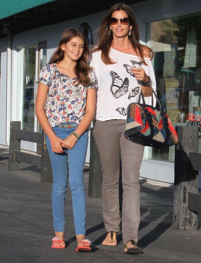 Pe urmele mamei ei. Fiica lui Cindy Crawford are doar 10 ani, dar e un supermodel in devenire