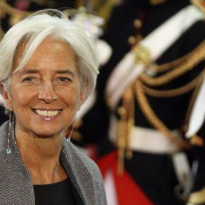 Se imbraca de la Chanel si face  speed-dating  cu liderii mondiali! Christine Lagarde, femeia care conduce finantele lumii