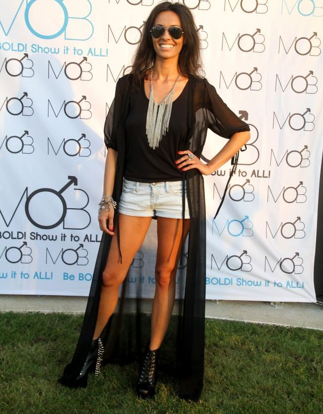 Cosmina Pasarin, silueta de fotomodel: arata spectaculos intr-un outfit  excentric