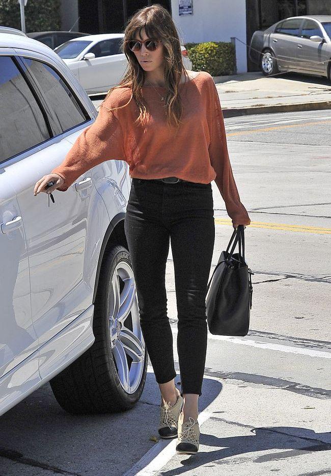 Jessica Biel il poarta pe iubitul ei, Justin Timberlake, cu ea oriunde ar fi. Vezi ce mesaj de avertisment le trimite fanelor lui
