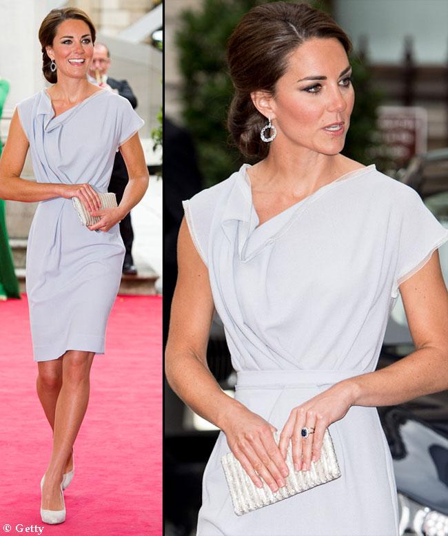 Ducesa de Cambridge a uimit cu o coafura noua. Vezi tinuta cu care i-a cucerit din nou pe britanici