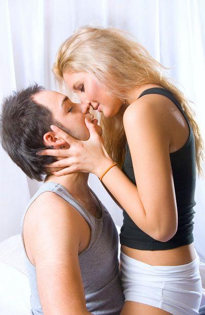 5 pozitii sexuale care te ajuta sa ramai insarcinata