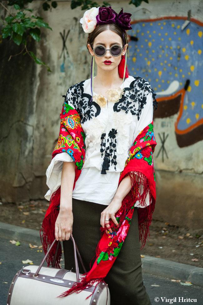 Look-ul zilei: Iulia Albu, flapper girl in stil traditional romanesc. Iti place outfitul ei?