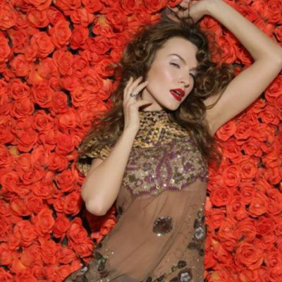 Anna Lesko isi incanta fanii intr-o rochie transparenta. Vezi imaginea de sute de Like-uri