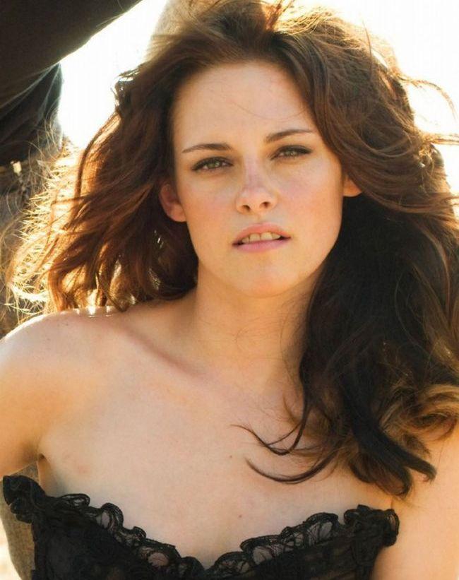 Adevaratul motiv pentru care Kristen Stewart l-a inselat pe Robert Pattinson. Vezi prin ce drama trecea