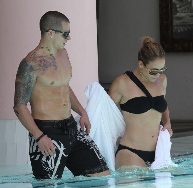 Jennifer Lopez, sorbita din priviri de Casper Smart. Vezi corpul cu care a cucerit un barbat de doua ori mai tanar decat ea