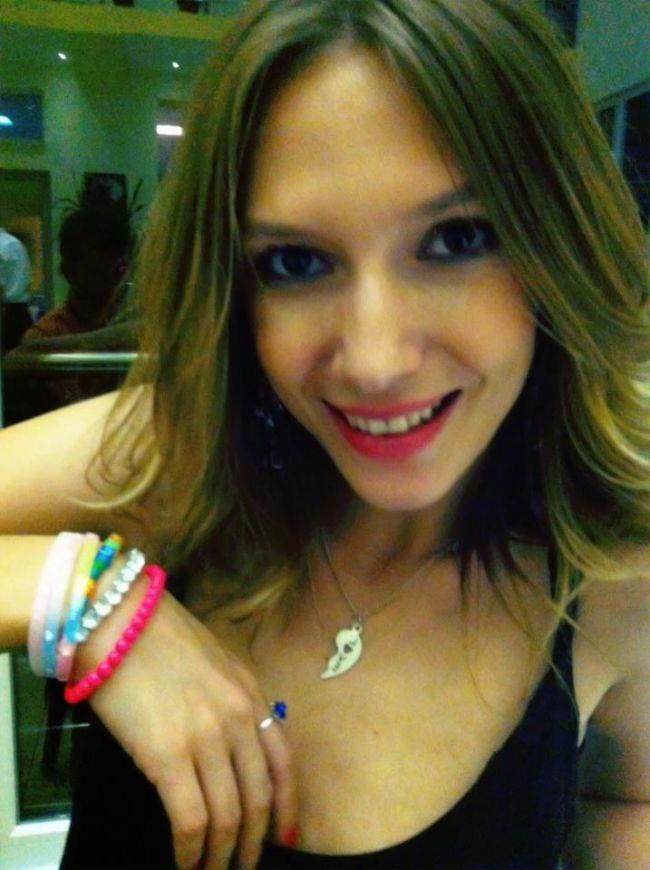 Adela Popescu, fresh si simpatica pe Facebook. Uite imaginea care a strans mii de like-uri de la fani
