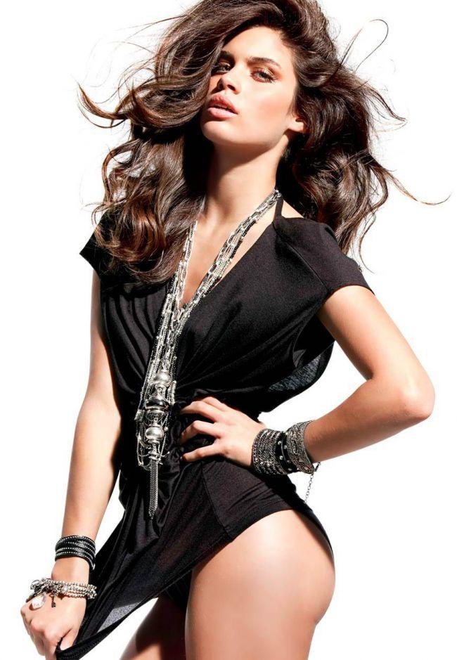 Ea este Sara Sampaio, cel mai nou ingeras Victoria rsquo;s Secret. Vezi formele perfecte care au recomandat-o sa se alature Mirandei, Alessandrei si lui Candice