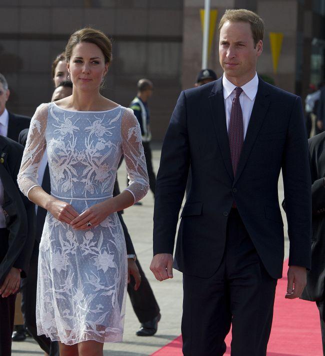 Kate si William dau in judecata revista franceza care a publicat fotografiile cu Ducesa topless. Vezi aici imaginile si spune-ne: au dreptate sau nu sa ia masuri legale?