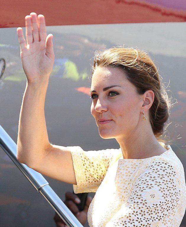 Kate Middleton a fost la un pas de un accident vestimentar. Vezi ce era sa pateasca Ducesa de Cambridge