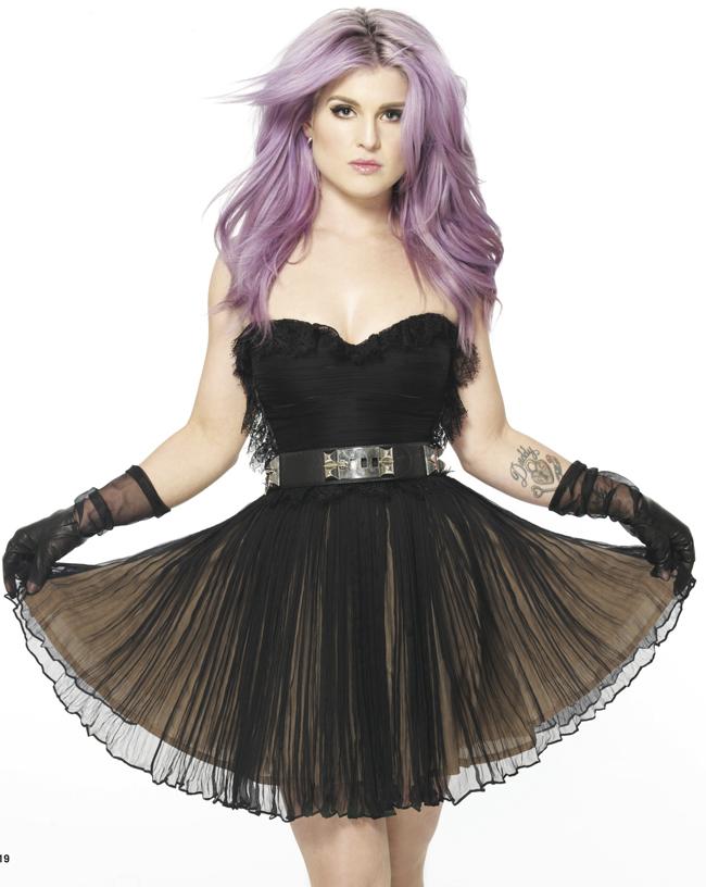 Kelly Osbourne ii face reclama Mariei Lucia Hohan intr-o revista americana purtand nu doar 1, ci 3 rochii create de designerul roman