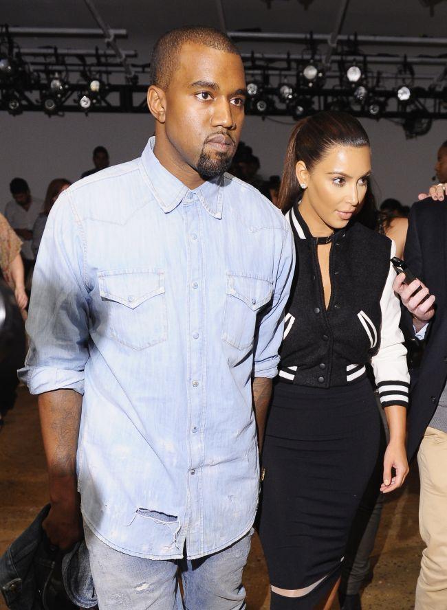 Umilinta totala! Ce accepta Kim sa ii faca iubitul ei, cantaretul Kanye West