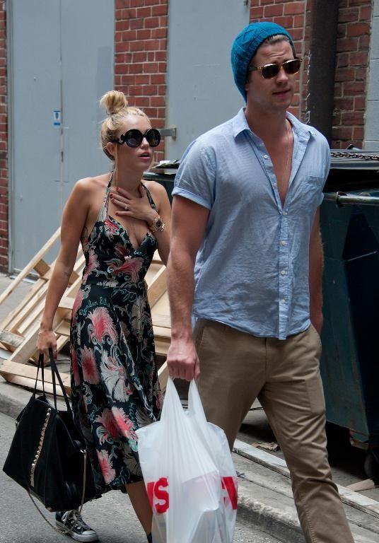 Miley Cyrus si-a enervat logodnicul. Vezi ce i-a cerut Liam Hemsworth sa faca pentru a o ierta
