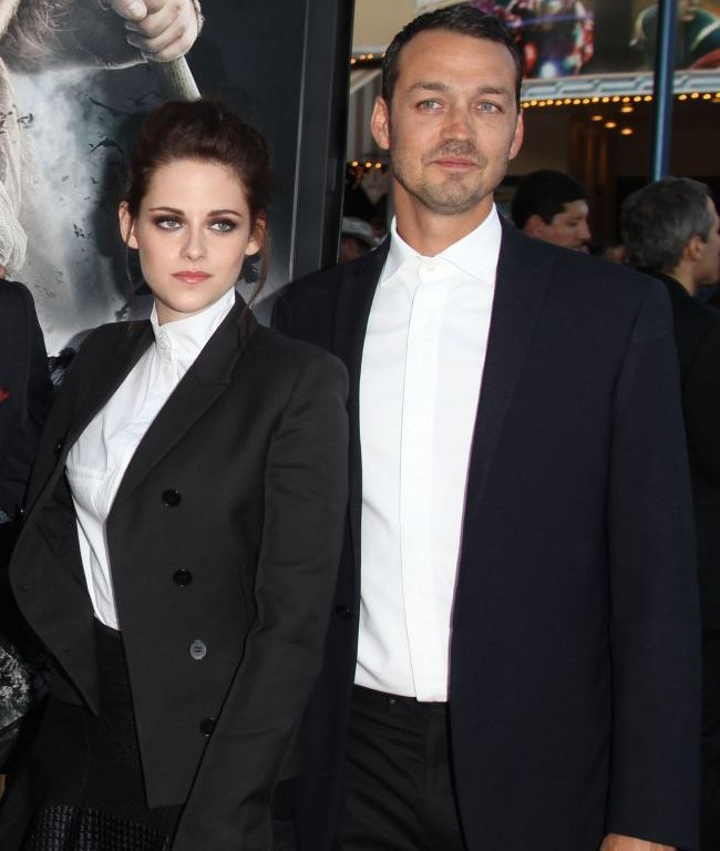Kristen Stewart nu se potoleste! Dupa impacarea cu Robert, continua sa comunice cu amantul