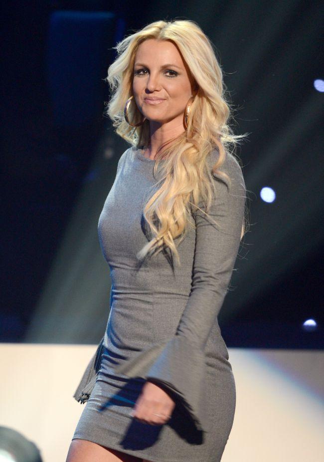 Britney Spears si-a schimbat stilistul si se vede! Uite look-ul cu care a impresionat la o ceremonie speciala Grammy