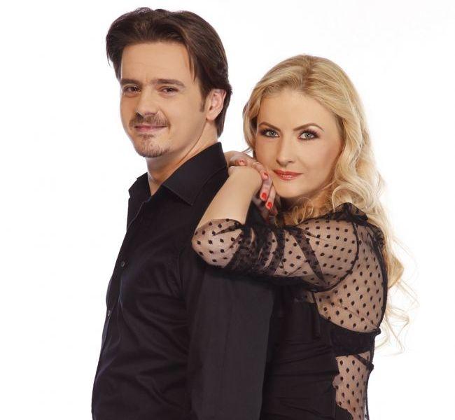 Mihai Petre are cu ce se lauda. Uite cat de frumoasa era sotia lui, Elwira, in urma cu 3 ani si cat de bine arata acum, cu burtica