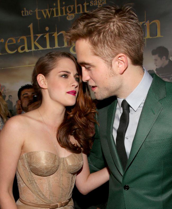 A fost cat pe ce! Adevaratul motiv pentru care NU s-au sarutat totusi Kristen Stewart si Robert Pattinson pe covorul rosu