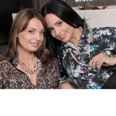 Andreea Marin si sora ei, Cristina, vorbesc despre familie, relatia dintre ele si despre cum inca isi imprumuta hainele reciproc
