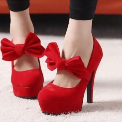 Cum sa asortezi corect pantofii rosii cu tinutele de strada. 6 reguli pe care trebuie sa le stie orice femeie