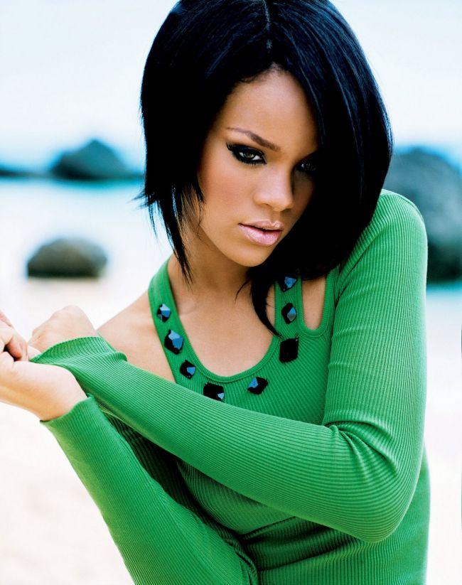 Rihanna este noua vedeta a muzeului Madame Tussauds. Cum arata cantareata in cele doua figurine de ceara
