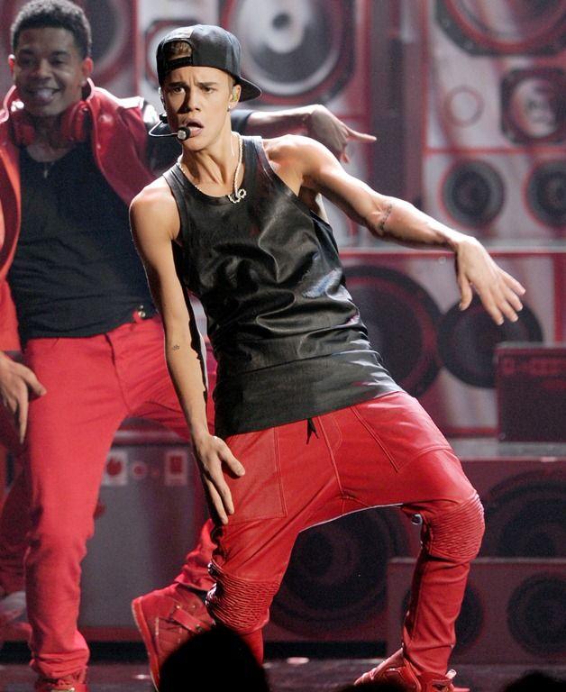 Justin Bieber i-a facut o declaratie emotionanta iubitei sale. Cum a impresionat-o pe Selena Gomez