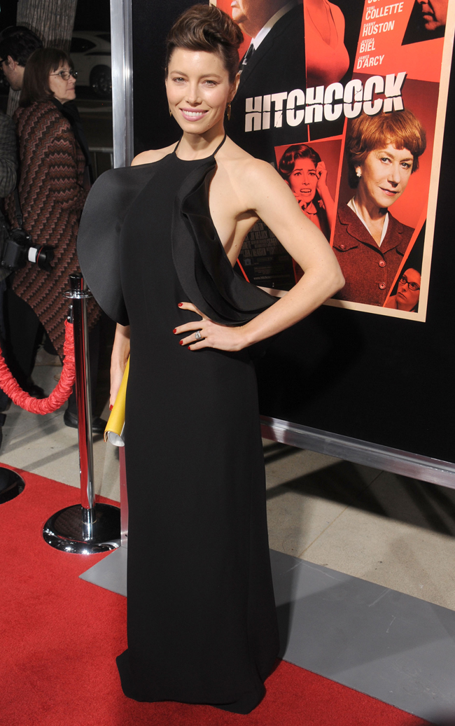 Jessica Biel a atras bliturile fotografilor ca un magnet, intr-o rochie ultra sexy