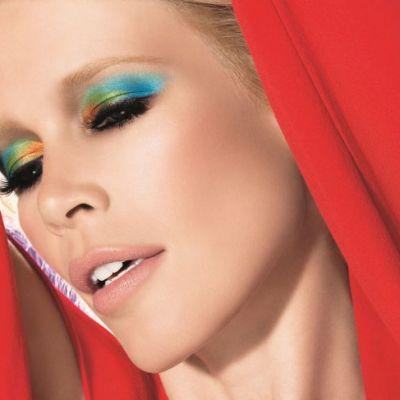 Beauty alert: Coloreaza-ti zilele de iarna cu farduri de pleoape in nuante clasice si ultra-sofisticate