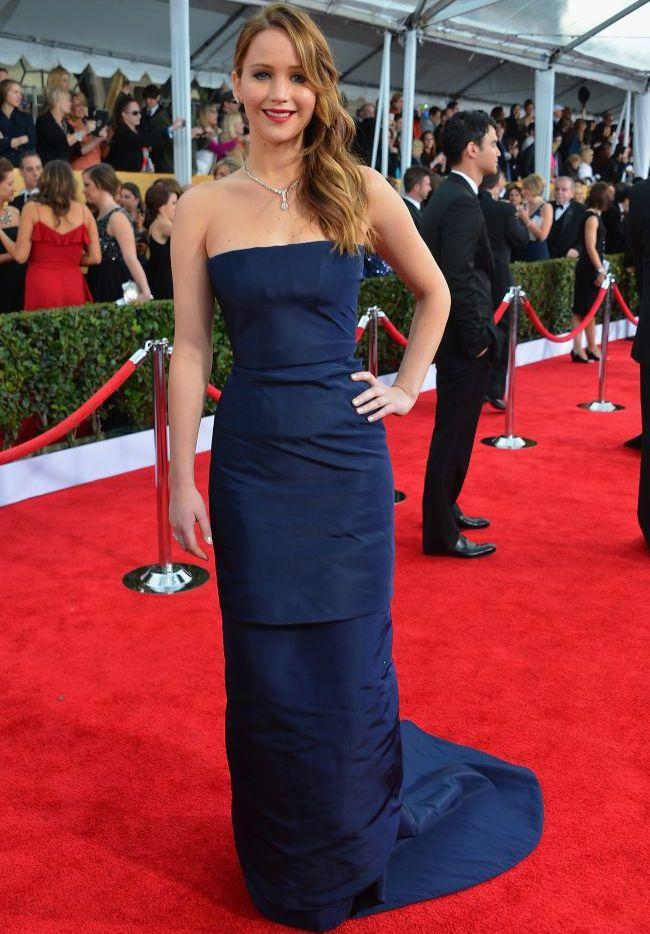 Jennifer Lawrence Accident Vestimentar Penibil La Sag