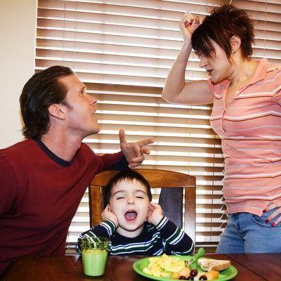 Certurile parintilor influenteaza comportamentul copiilor
