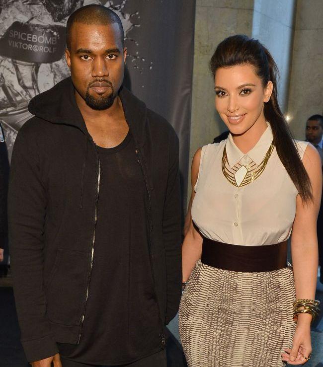 Kim Kardashian si Kanye West, complet goi pe internet. Vezi imaginea care i-a scandalizat pe fanii starletei