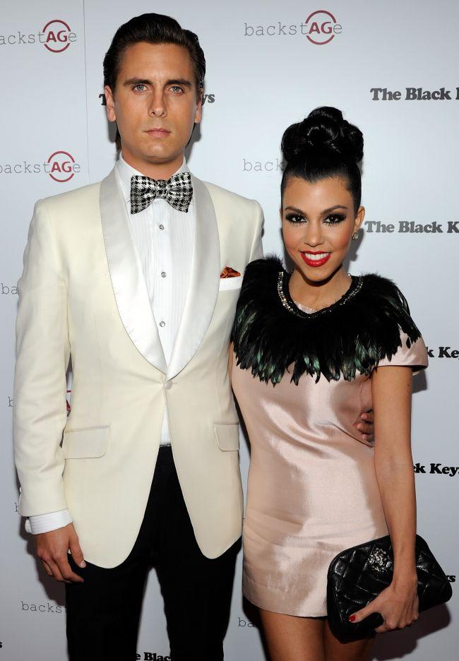 Un alt scandal de proportii in familia Kardashian: Kourtney, acuzata ca ascunde adevarata identitate a tatalui copilului ei. Cum raspunde vedeta